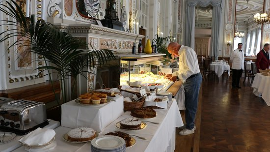 Grand Hotel Villa Serbelloni: The breakfast buffet part1
