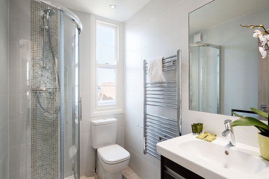 The Apartments: Standard One Bed Bathroom