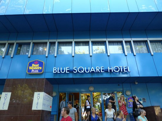 BEST WESTERN Blue Square Hotel: Exterior of the hotel