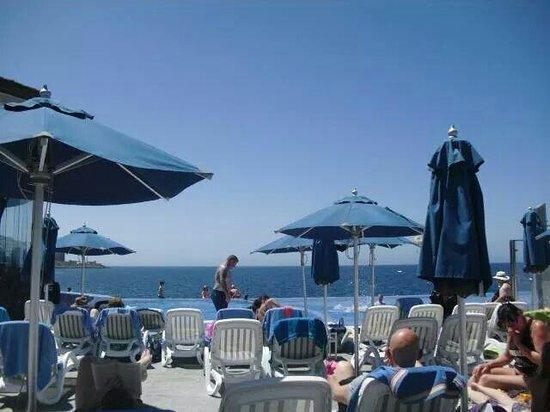 Marina Suites : The Pool