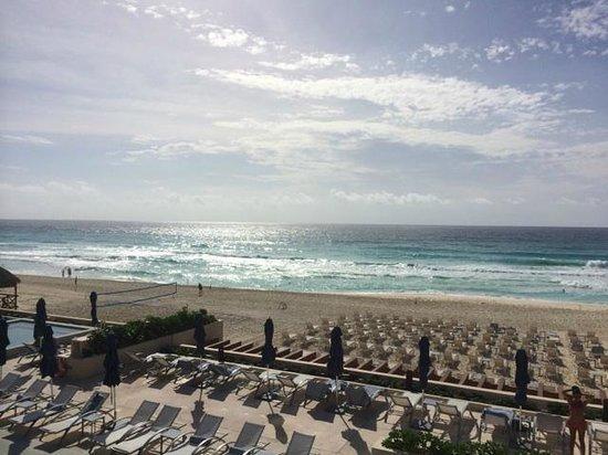 Secrets The Vine Cancun: Pool/Beach view