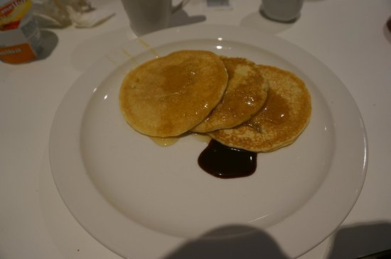 Wave Hotel & Apartments : Hot pancake serves everyday