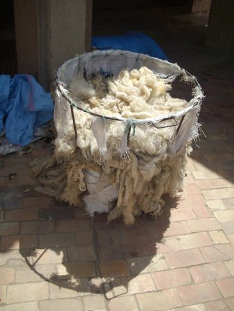 Médina de Meknès : Meknes Medina - raw fabric materials