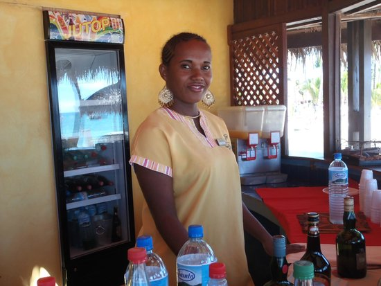 Andilana Beach Resort : ristorazione in spiaggia