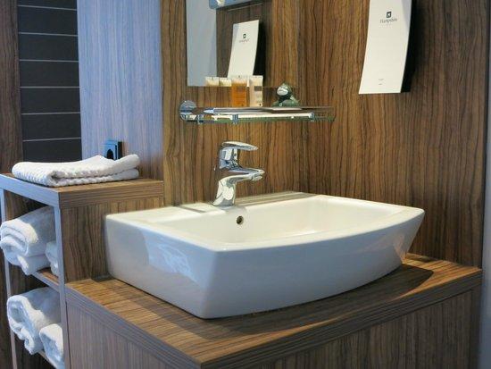 Hampshire Designhotel - Maastricht: Bathroom sink is right in front of your main door