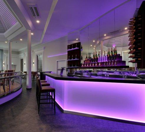 Hotel Am Schloss Aurich: 360 Grad Bar und Veranstaltungsraum