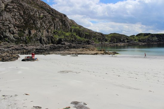 Sleat, UK: Beautiful Sandy beach. Very few visitors.