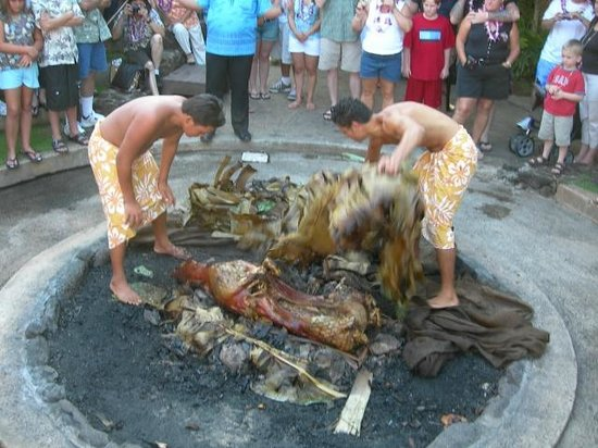 Hilton Hawaiian Village Waikiki Beach Resort: Imu Ceremony