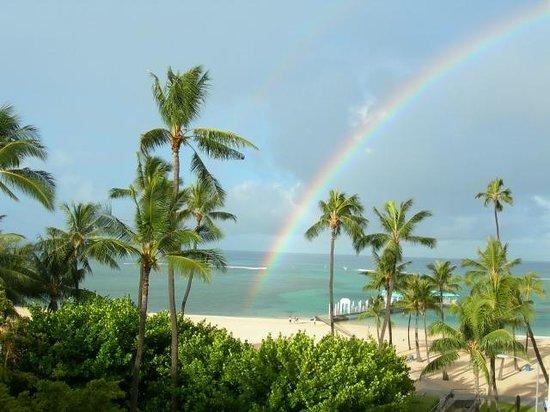 Hilton Hawaiian Village Waikiki Beach Resort: Rainbow during Sunshower