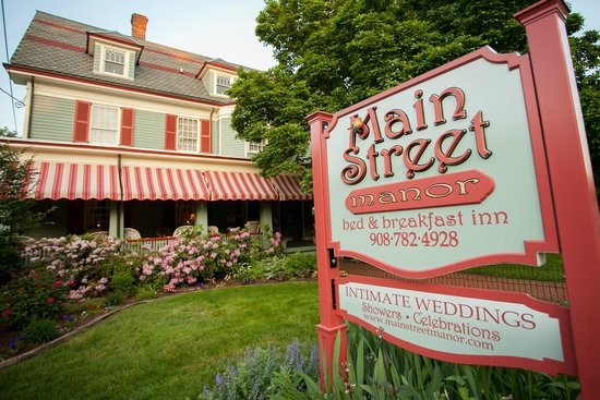 Main Street Manor Bed & Breakfast Inn: Welcome to the inn!