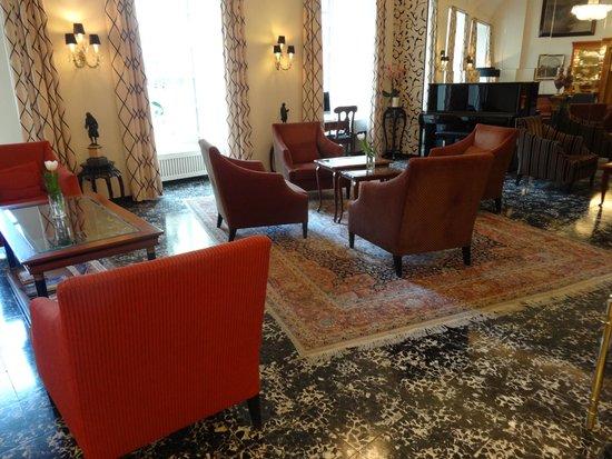 Hotel Stefanie: L'entrée-salon