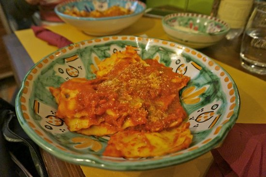 Cacio Vino Trallallà : ravioli... way tooooo sour!!