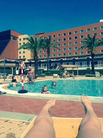 Rome Marriott Park Hotel: Shallow end of the pool is perfect for kids!