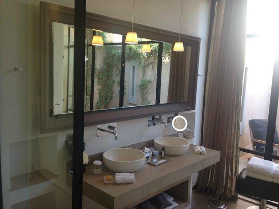 Palais Namaskar: The Villa bathroom