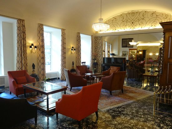 Hotel Stefanie: Le salon