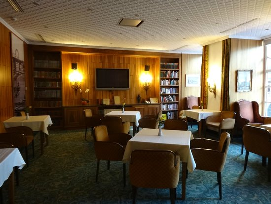 Hotel Stefanie: La bibliothèque