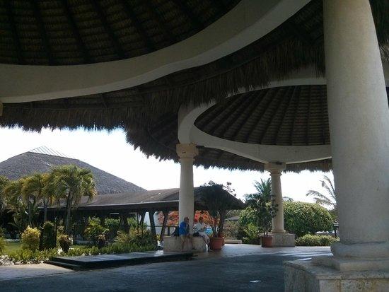 Sirenis Punta Cana Resort Casino & Aquagames : Accueil de l'hôtel