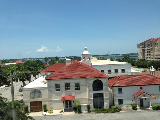 Hampton Inn & Suites Bradenton Downtown Historic District: View from the room