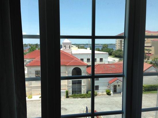 Hampton Inn & Suites Bradenton Downtown Historic District: Water view