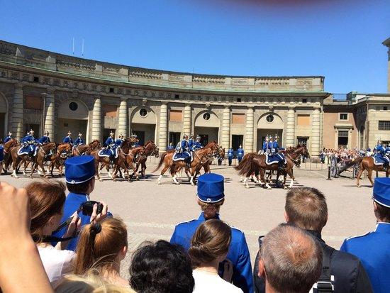 Royal Palace: cambio della guardia