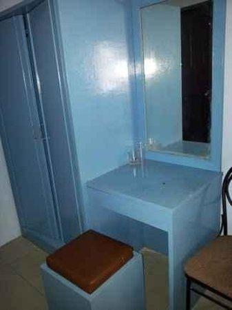 Centaur Inn Hotel: Room