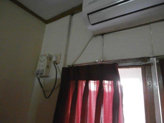 Winner Inn : impianto elettrico della camera