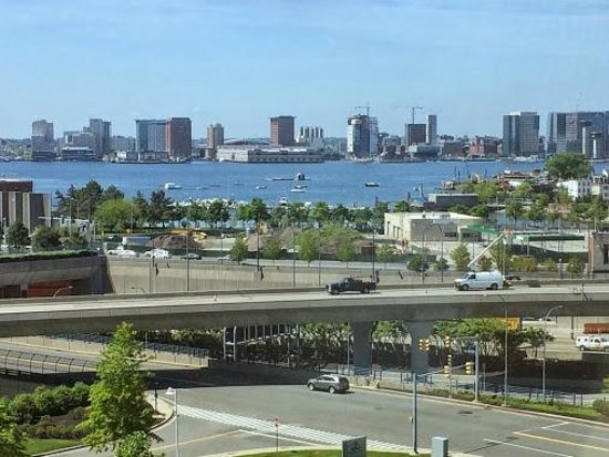 Hilton Boston Logan Airport: Great View of the Harbor