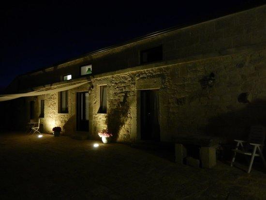 Mastro Vanni : Night view of the complex