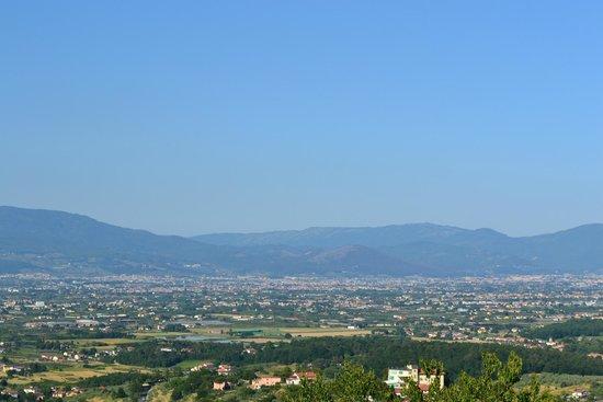 Nonna Mora: Panorama con Firenze sullo sfondo