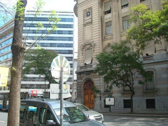 562 Nogaro Buenos Aires: Visata da frente do hotel