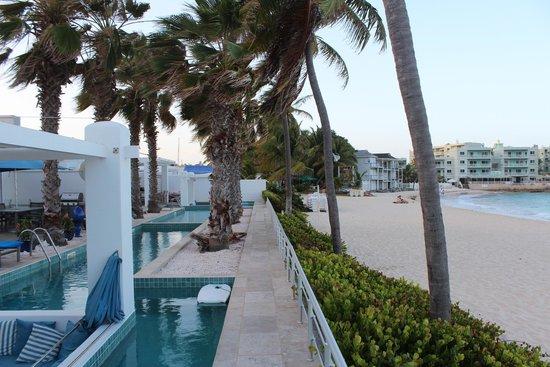 Coral Beach Club Villas & Marina: Private pool and Dawn Beach