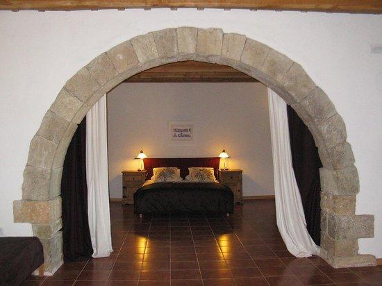 Mas Pelegri: Ground floor bedroom suite