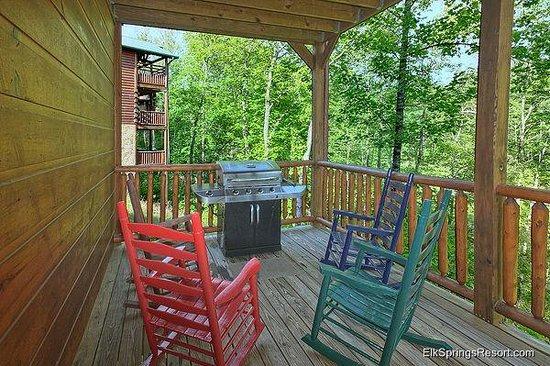 Elk Springs Resort: Outdoor Fireplaces