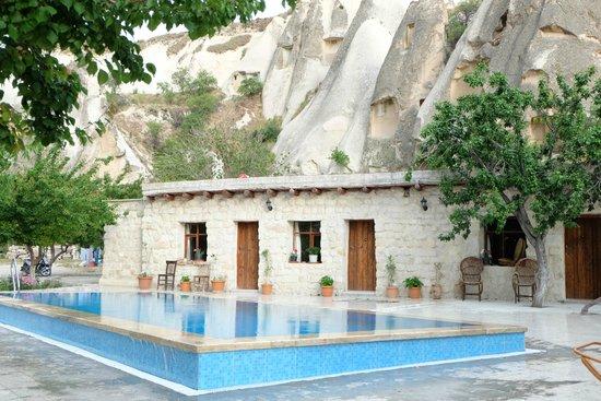 Nirvana Cave: pool