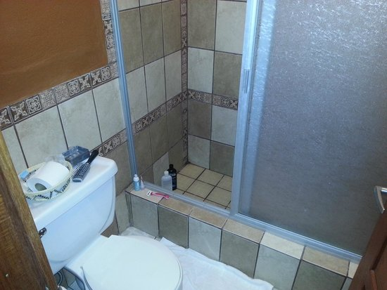 Cardie's Hotel: The tiled in shower that always had an inch of standing water