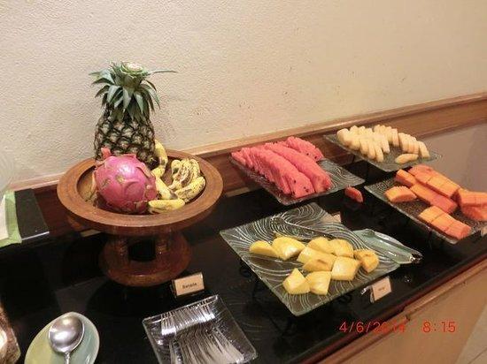Bossotel Bangkok : buffetbreakfast