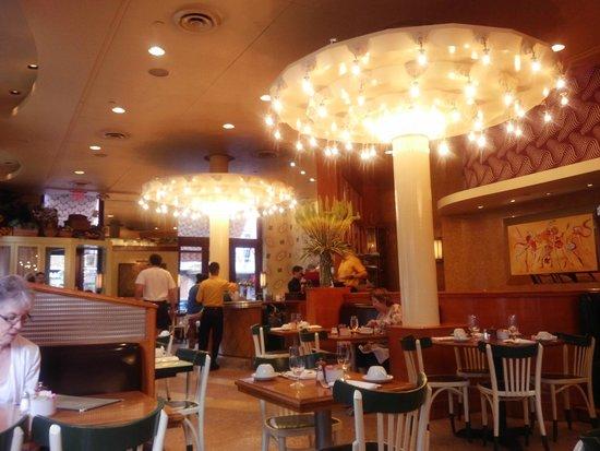 The Lucerne Hotel: Nice Matin Restaurant at Lucerne Hotel