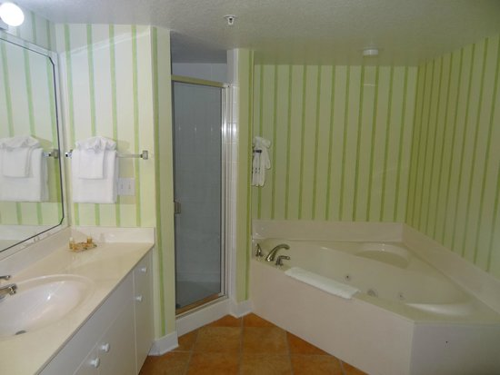 Holiday Inn Club Vacations Cape Canaveral Beach Resort: Master Ensuite