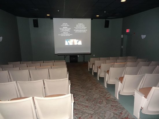 Holiday Inn Club Vacations Cape Canaveral Beach Resort: Movie Theater