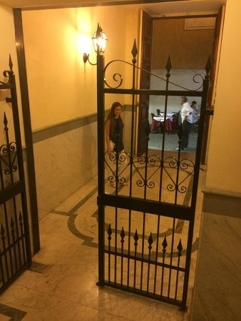 I Tre Moschettieri Luxury Guest House : Entrada al Hotel