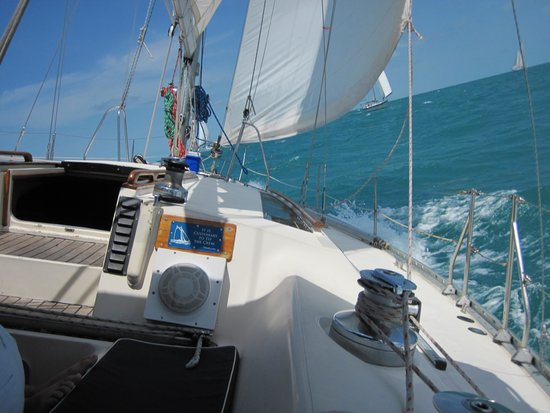 Blue Ice Sailing Charters: Making good speed in the race!