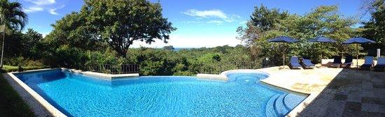 Hotel Luna Azul: Infinity Pool mit einem Ausblick der seinesgleichen sucht!