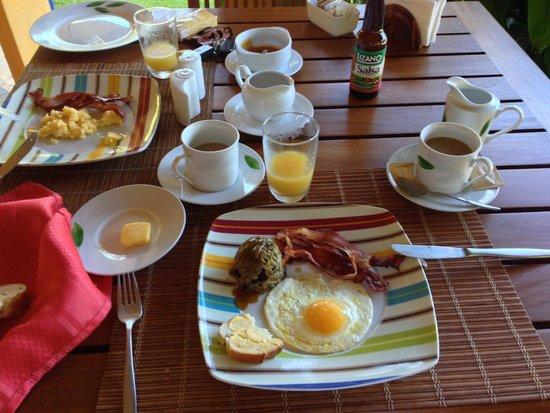 Hotel Luna Azul: Zum Frühstück gibt es alles was das Herz begehrt!