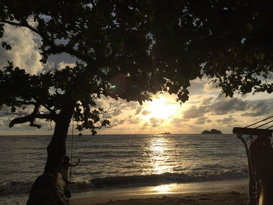 The Chill Resort & Spa, Koh Chang: Sunset from the hammock