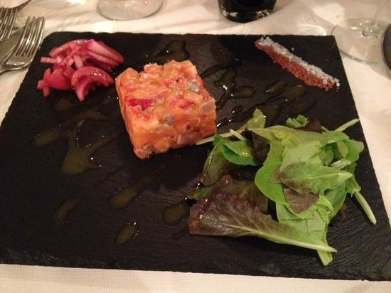 Ristorante Pepe Nero : tartarre di salmone, fragole e cipolle di tropea