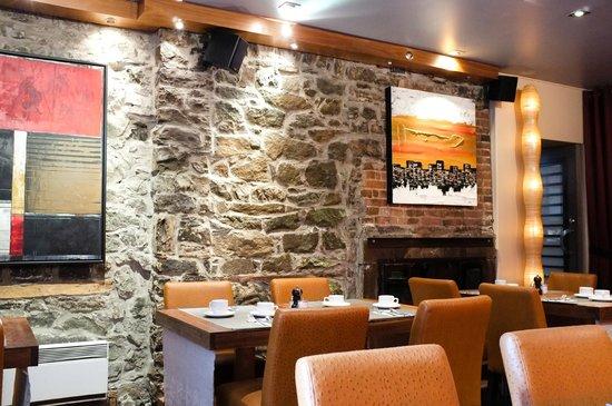 Hotel Le Priori: Salle de déjeuner / restaurant