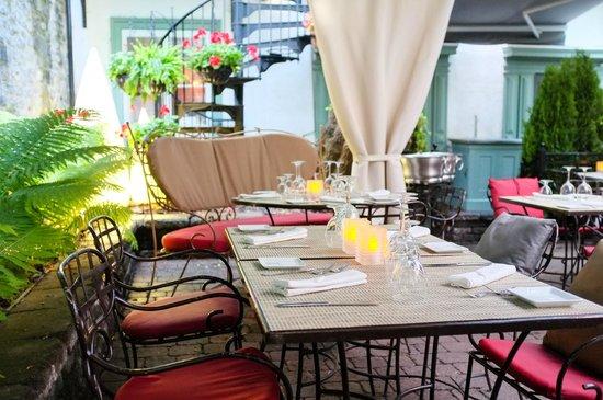 Hotel Le Priori: Terrasse du restaurant