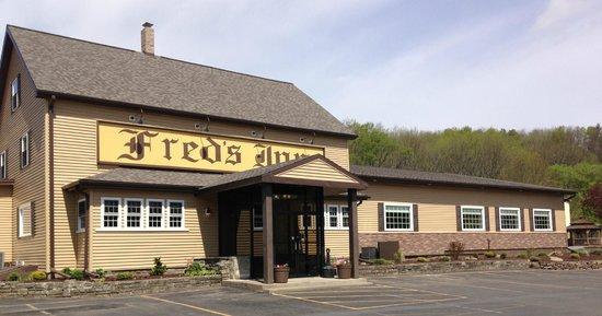 Fred's Inn Restaurant & Lodging