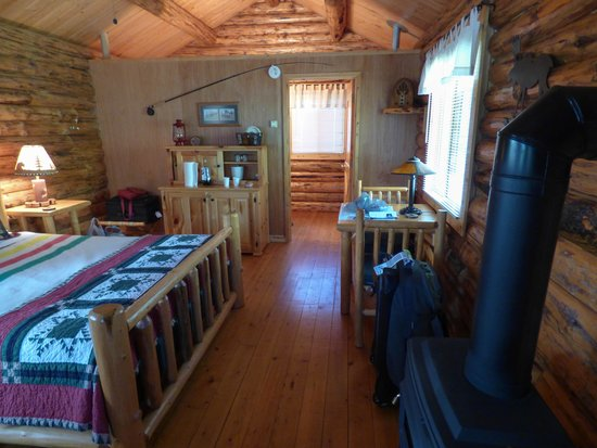 Silverwolf Log Chalet Resort: Cabin Interior