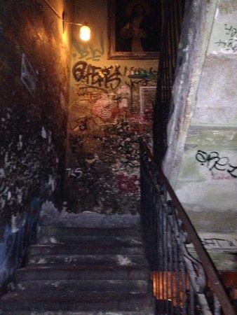 Szimpla Kert: Staircase